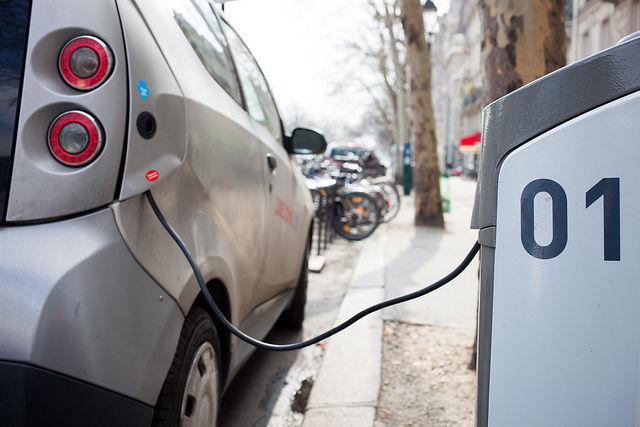 Ayudas para puntos de carga y coches eléctricos en Andalucía